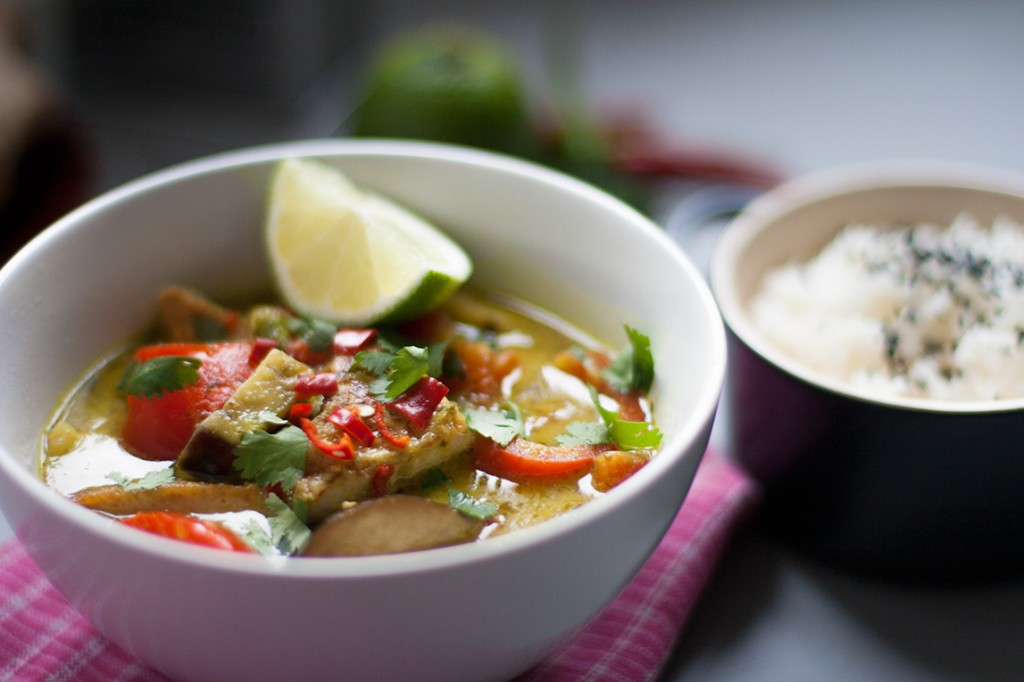 Crispy Maple Tofu Thai Green Curry - What The Hell Do Vegans Eat?